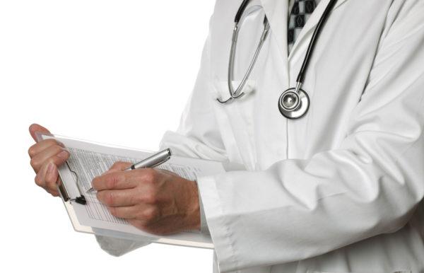 доктор записывает